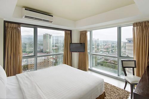 Hotel with Ladyboys in Cebu