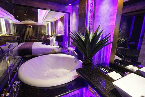 Luxury Love Hotel in Angeles